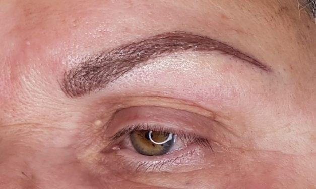 Cliente de Beaujeu. Maquillage permanent sourcils poil à poil. Photo en fin de prestation.